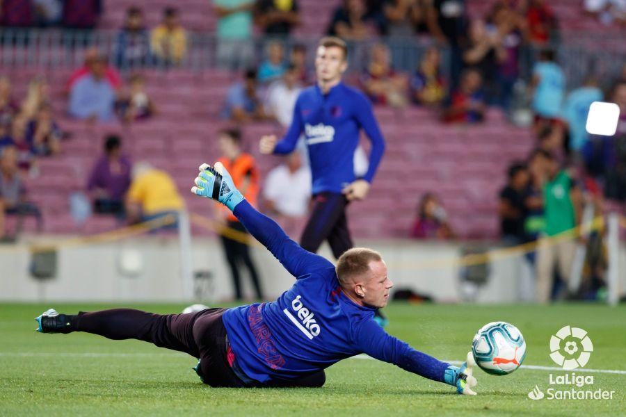 صور مباراة : برشلونة - فياريال 2-1 ( 24-09-2019 )  86138a86e2a413a706bd4187226b5e8a