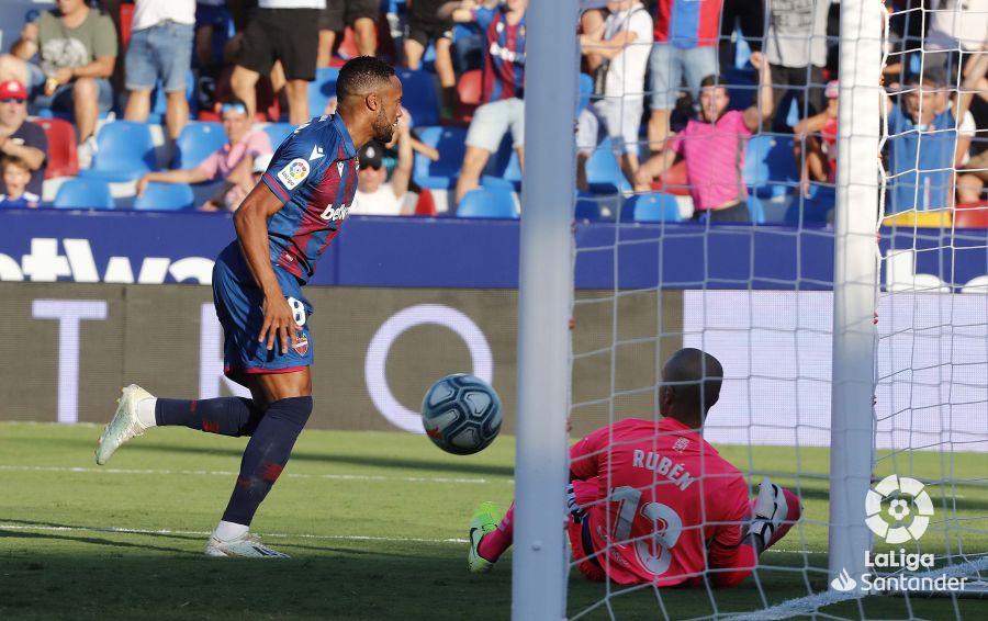 Примера. 7-й тур. Хорди Масип отыграл безупречно, Лукас Перес забил первый гол в сезоне, Севилья проснулась - изображение 4