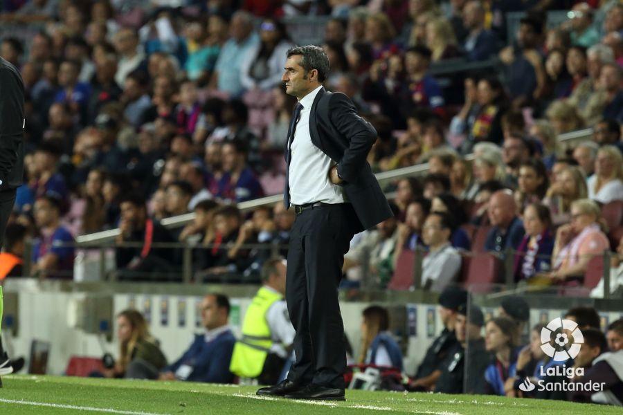 صور مباراة : برشلونة - إشبيلية 4-0 ( 06-10-2019 )  Ac0be9e2da42ea5b1a3a2b931116be75