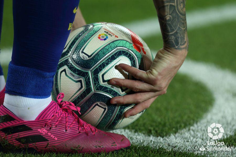 صور مباراة : برشلونة - إشبيلية 4-0 ( 06-10-2019 )  Ed619c9463b33863f3833b03791a8624