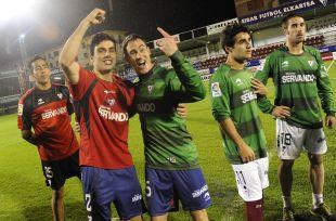 Los jugadores lo celebraron tras el término del partido entre las Las Palmas y el Recreativo