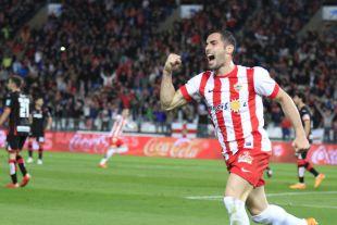 7. Ángel Trujillo (UD Almería). Insustituible en la zaga del conjunto almeriense, con 3.208 minutos en 36 choques