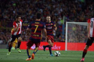 Iniesta volvió a lucir el brazalete de capitán del FC Barcelona