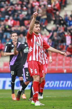4. Álex Granell (Girona FC). Fue una de las sensaciones de la temporada y el jugador de campo con más minutos de su equipo, con 3.762 en 42 encuentros