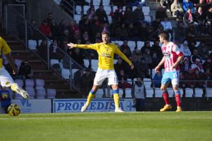 6. Javi Castellano (UD Las Palmas). El centrocampista insular jugó 42 partidos en los que dio un total de 1.881 pases y alcanzó una media de 45 por encuentro