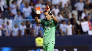 4. Claudio Bravo (FC Barcelona). El campeón de la Liga BBVA y portero menos goleado de la temporada disputó 3.330 en 37 choques