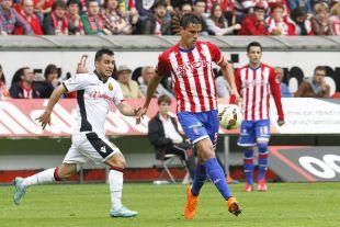 9. Bernardo Espinosa (Real Sporting de Gijón). Insustituible en el eje de la zaga rojiblanca, donde disputó 3.690 minutos repartidos en 41 choques