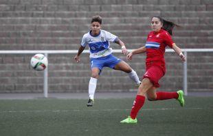 Maria José dispara a puerta en el duelo entre el UD Granadilla Egatesa y el RCD Espanyol femenino.