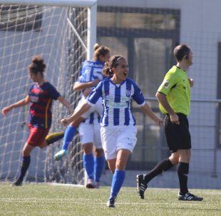 Vero celebra el tanto del empate del Sporting de Huelva ante el FC Barcelona.