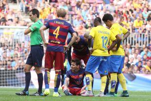 Messi se retiró lesionado en el minuto 10
