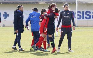 Las jugadoras del Sevilla celebran una importante victoria ante el Albacete.