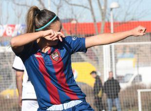 Claudia Zornoza celebra su gol ante el Rayo Vallecano.