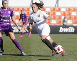 Mari Paz Vilas marcó para el Valencia de penalti.