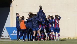 Celebración del gol de Banini en el minuto 96.