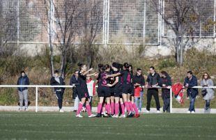 El Madrid celebra el gol de Analu.
