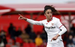 Martina Piemonte durante el Sevilla - Real Sociedad.