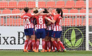 Las jugadoras celebran el gol de Meseguer.