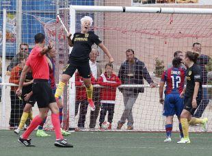 Priscila marcó el primero de los tres goles del Atleti ante el Levante.