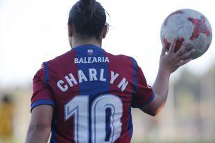 Con 13 goles, Charlyn Corral es la máxima goleadora de la Liga Iberdrola.