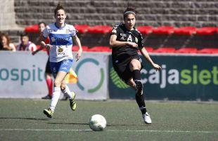 Granadilla Egatesa y Zaragoza CFF luchan por el balón