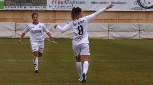 Ali Muñoz celebra el primer tanto del F. Albacete ante el Athletic.