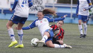Un lance del partido entre el Zaragoza CFF y el Sporting Huelva.