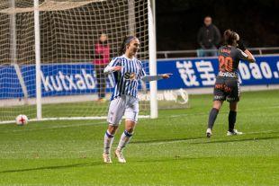 Nahikari, que marcó cinco goles, fue la protagonista de la victoria de la Real Sociedad ante el Zaragoza CFF.