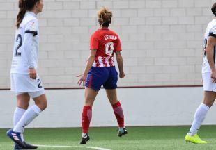 Esther, goleadora en el Madrid CFF - At. Madrid Femenino.