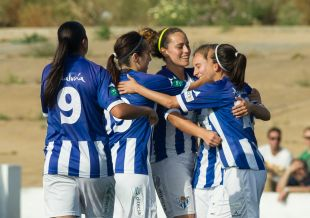 El Sporting Huelva celebra uno de los dos tantos que le dieron al victoria ante el Collerense.