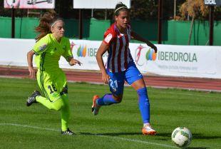 Andrea Falcón anota su primer gol como rojiblanca.