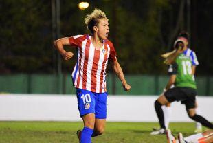 Amanda Sampedro celebra el cuarto y definitivo tanto del At. Madrid Femenino ante el Sporting Huelva.
