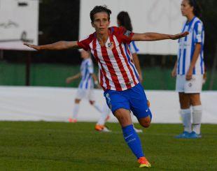 Sonia Bermúdez celebra uno de los dos tantos que le marcó al Sporting Huelva