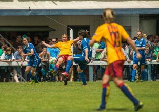 Un lance del partido disputado entre el Oiartzun KE y el FC Barcelona.