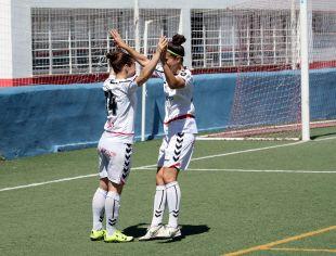 Maria Arranz celebra un gol en el partido que enfrentó al Collerense y al F. Albacete.