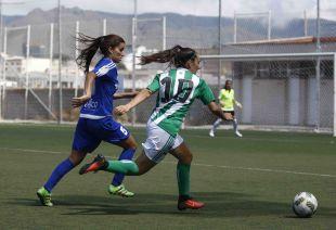 Un lance del partido entre el Tacuense y el Betis.