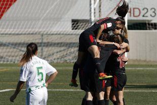 La celebración del gol de Erika en el R. Betis Féminas - Athletic.