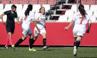 La alegría de Ali Fuentes tras marcar en el Sevilla Femenino - Santa Teresa CD.