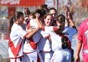 Las jugadoras del Rayo celebran el 1-0 frente al F. Albacete.
