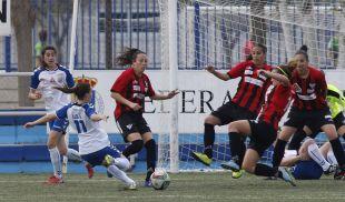 Una jugada del partido que enfrentó al T. Alcaine ZGZ - Sporting Huelva.