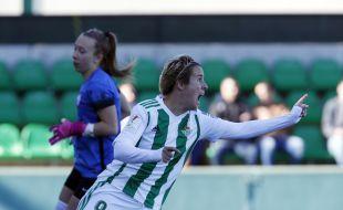 Prisicila marcó los dos goles de la victoria del Betis ante el Madrid CFF.