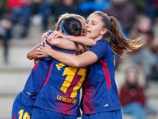 Martens, Duggan y Andressa celebran el gol de la brasileña.