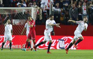 El italiano Ciro Immobile marcó el primer gol del partido en el triunfo del Sevilla por 2-0 ante el RCD Espanyol, su séptimo consecutivo en casa en la Liga BBVA 2015/16