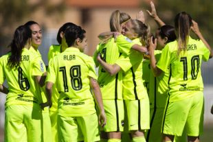 El Levante Femenino celebra la victoria ante el Santa Teresa.