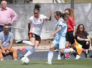 Débora anotó uno de los cuatro tantos que le dieron la victoria al VCF Femenino ante el Rayo.