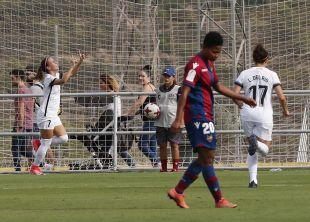 Patri Mascaró marcó el tanto del empate del Madrid CFF.