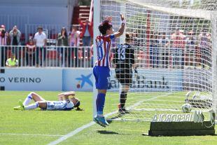 Amanda celebra el segundo de los dos tantos del At. Madrid Femenino ante la Real Sociedad.