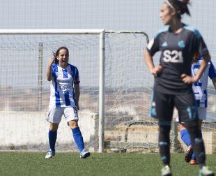 Jenny celebra el gol del empate a uno ante la Real Sociedad.
