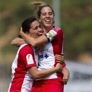 Las jugadoras del Santa Teresa celebran un gol.