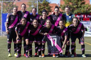 Las futbolistas del Rayo mostraron camisetas de apoyo a Codonal, lesionada la pasada jornada.