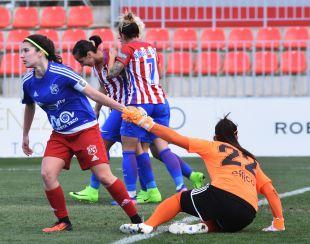 Un lance del partido disputado entre el At. Madrid Femenino y el Tacuense.